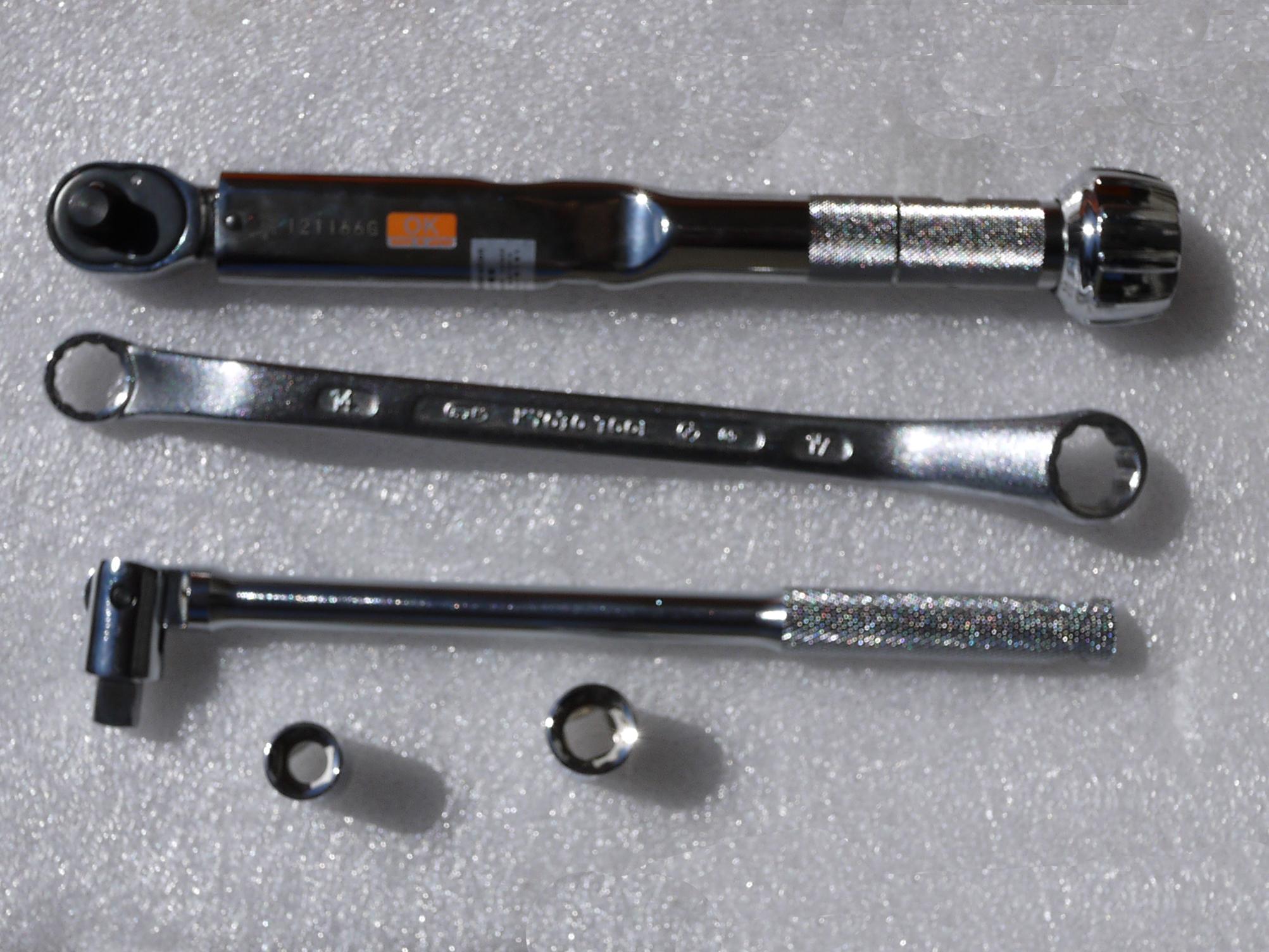 クロスカブ (CROSS CUB)の 車高調整 ローダウンリアサスペンション エンデュランス 取付工具